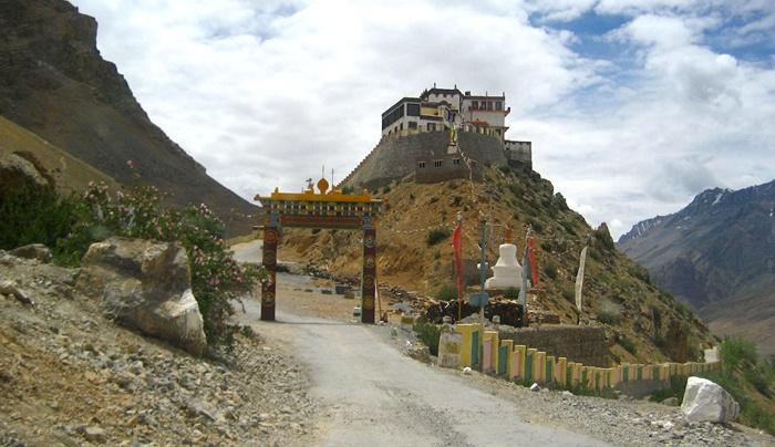 gondola-monastery-himachal-pradesh