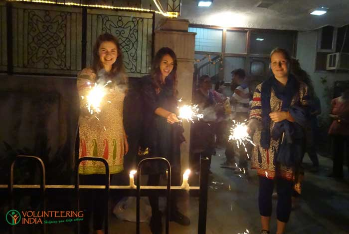 volunteers-celebrating-diwali-in-india-08